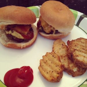 Cheeseburger Sliders (Mini Burgers)
