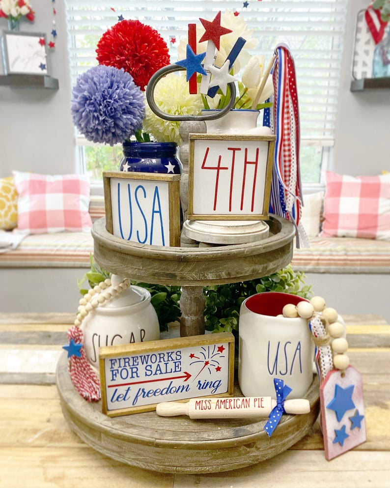 fireworks tiered tray