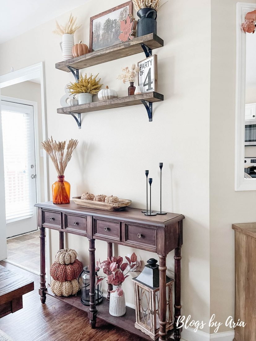 how to style floating shelves for Fall